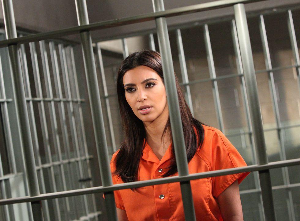 """Nikki LePree (Kim Kardashian) soll beweisen, dass Stacy den """"Puchen"""" erfunden hat. Wird sie Stacy nach allem was geschehen ist unterstützen? - Bildquelle: 2012 Sony Pictures Television Inc. All Rights Reserved."""