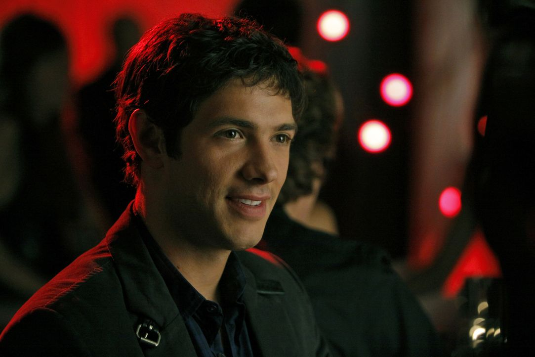 Oh, oh - Jonah (Michael Rady) spielt mit dem Feuer... - Bildquelle: 2009 The CW Network, LLC. All rights reserved.