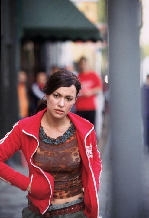 Carmen (Natalia Verbeke) steckt in der Zwickmühle: Sie will weder ihren Verlobten verlieren, noch den jungen Draufgänger Kit. Ersteren liebt sie,...