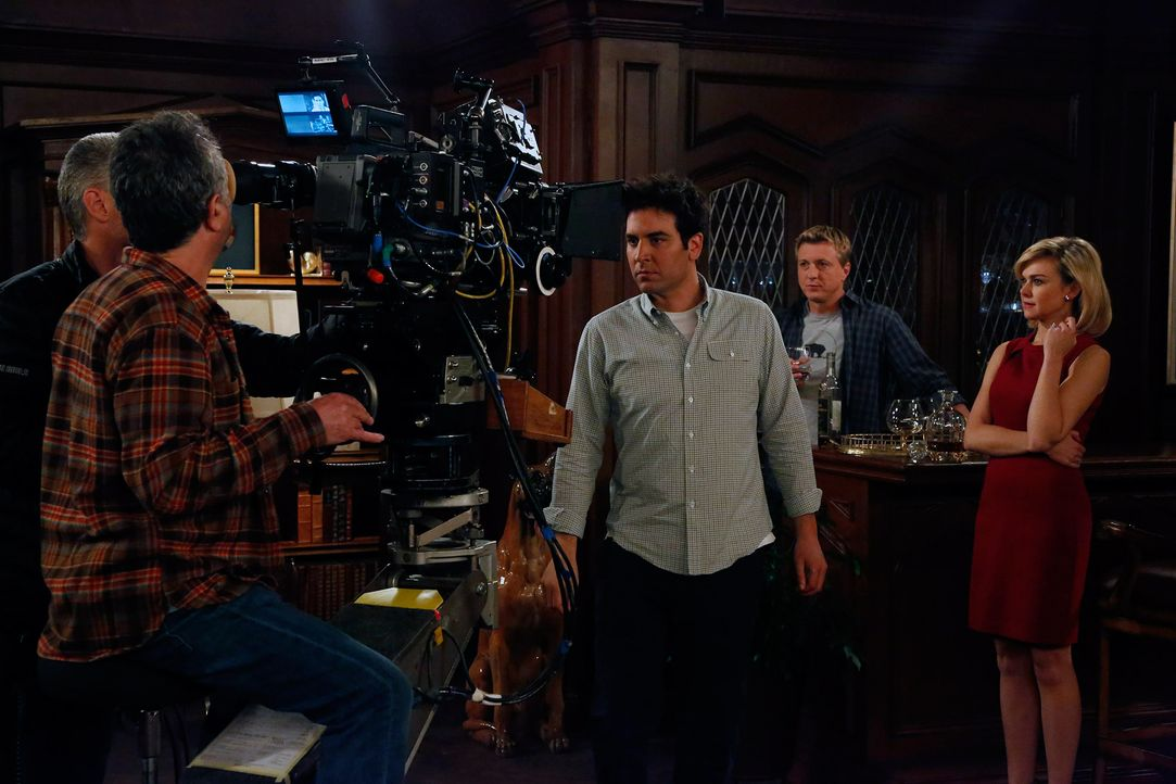 HIMYM- Behind the scenes- Daisy(1) - Bildquelle:  CBS Broadcasting, Inc. All rights reserved
