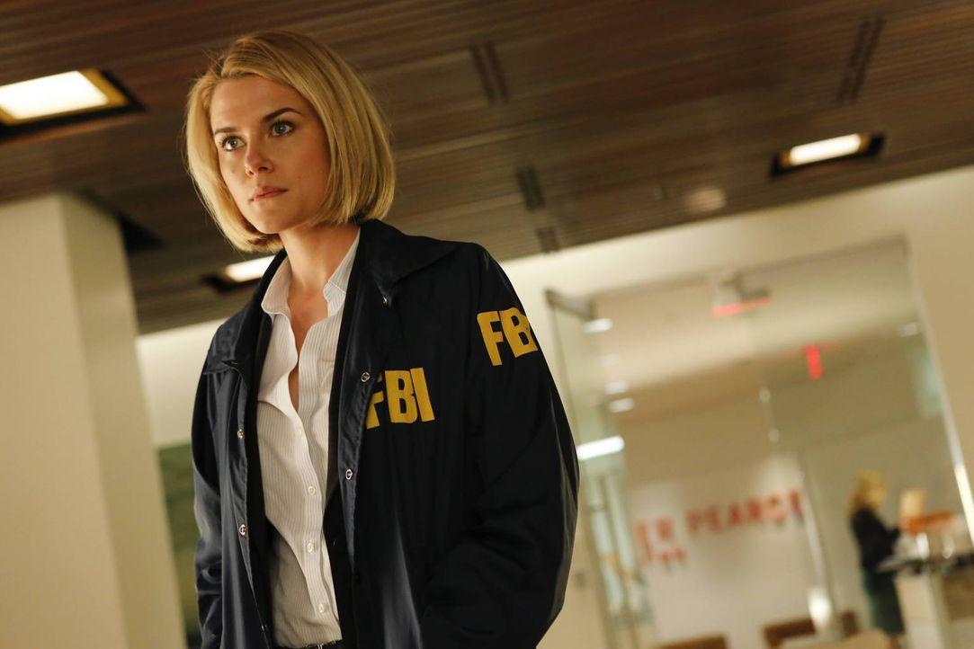 Als Schüler der Eliteschule Ballard High School während einer Klassenfahrt zusammen mit ihren Begleitern entführt werden, muss FBI-Agentin Susie Dun... - Bildquelle: 2013-2014 NBC Universal Media, LLC. All rights reserved.
