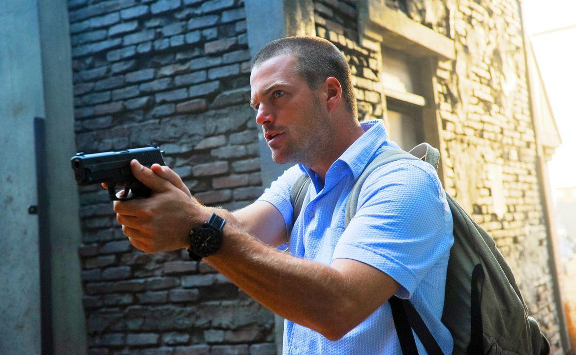 Bei den Ermittlungen in einem neuen Fall: Callen (Chris O'Donnell) ... - Bildquelle: CBS Studios Inc. All Rights Reserved.
