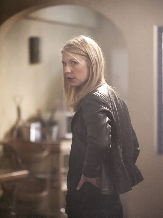 Carrie (Claire Danes) setzt ihren gewagten Plan in die Tat um und schickt Aayan in die Hände seines Onkels. Doch wird sie damit an ihr Ziel kommen? - Bildquelle: 2014 Twentieth Century Fox Film Corporation
