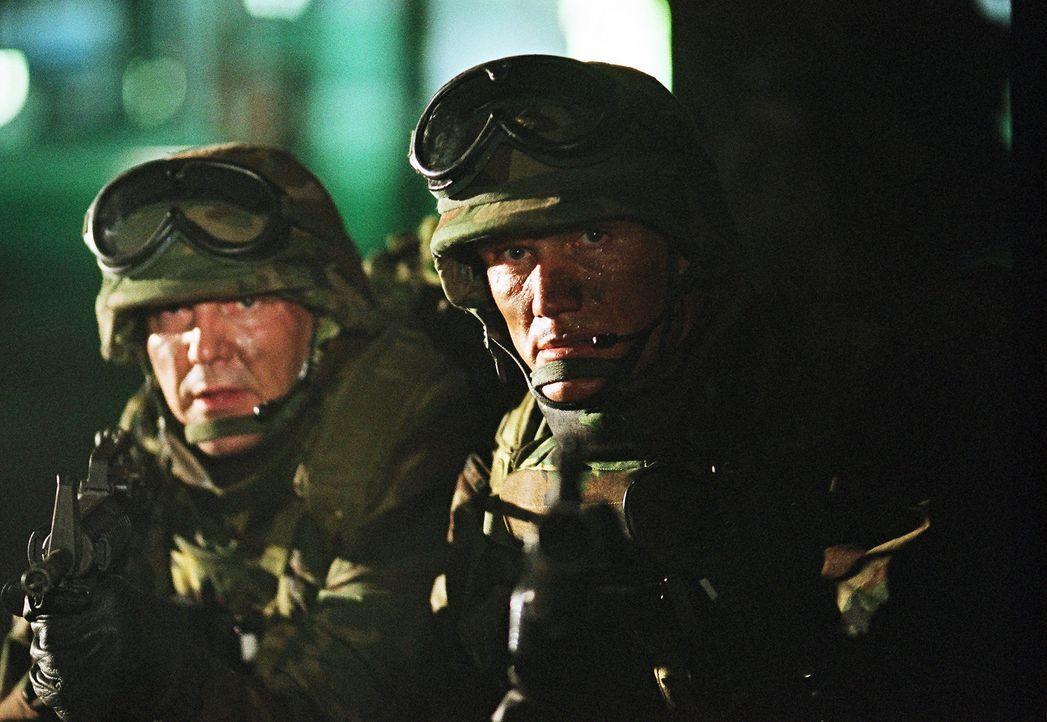Immer wieder wird der ehemalige Special Force Marinesoldat Sam Decker (Dolph Lundgren) von den Erlebnissen im Kosovo-Krieg gequält ... - Bildquelle: Nu Image