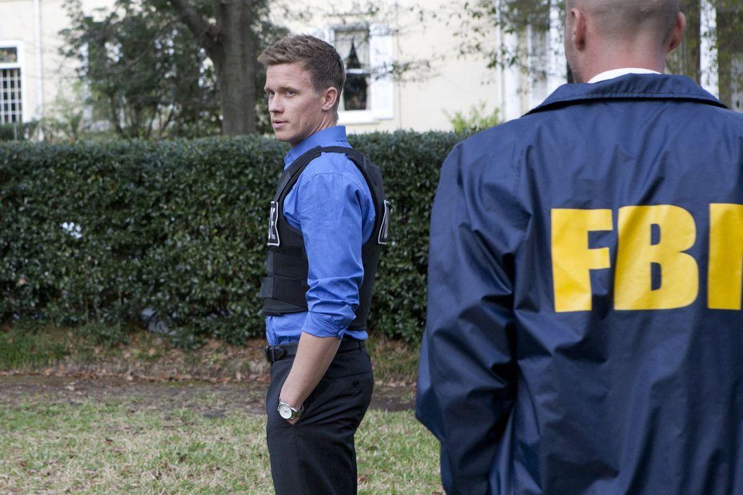 Ermittelt gemeinsam mit seinem Kollegen in einem neuen Fall: Wes (Warren Kole, l.) ... - Bildquelle: 2012 USA Network Media, LLC