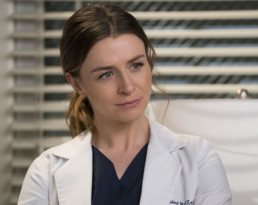 Wagt sich an eine neuartige Operation: Amelia (Caterina Scorsone) ... - Bildquelle: Mitch Haaseth 2017 American Broadcasting Companies, Inc. All rights reserved./Mitch Haaseth