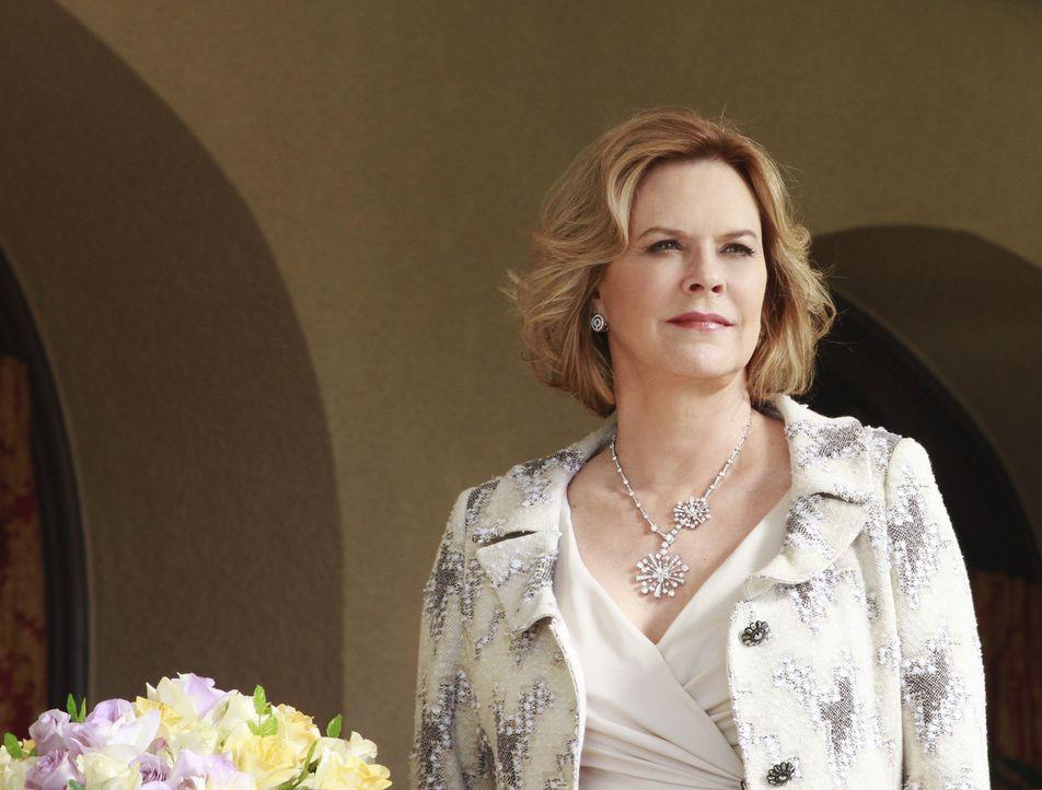 Ahnt nicht, was für ein Ende ihre Hochzeitsfeier haben wird: Bizzy (JoBeth Williams) ... - Bildquelle: ABC Studios