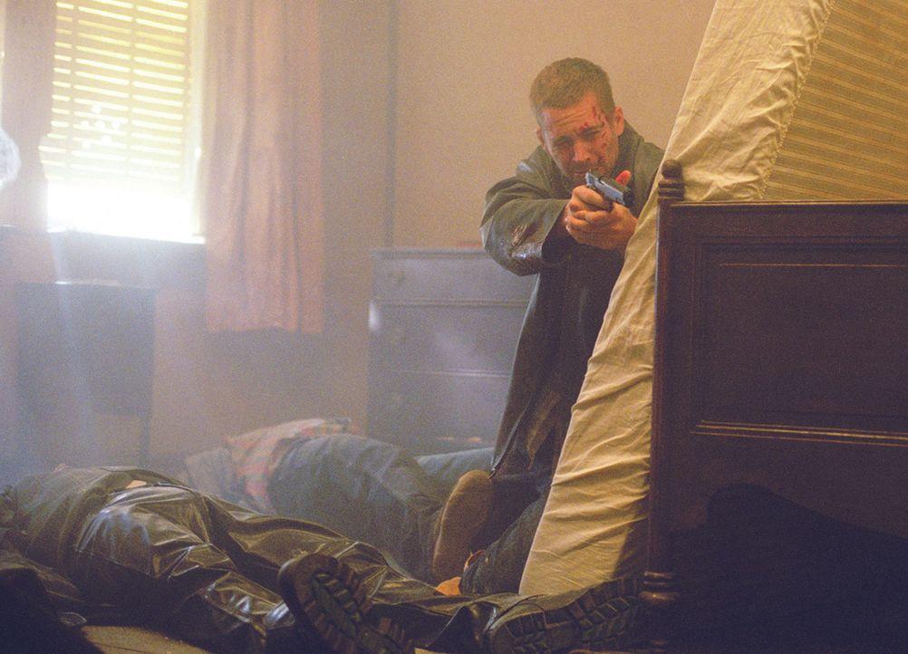 Eines Tages gerät der Kleinganove Joey Gazelle (Paul Walker) dank seines Leichtsinns mitten unter schießwütige Mordgesellen ... - Bildquelle: Licensed by E.M.S. New Media AG
