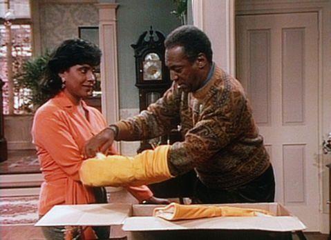 Bill Cosby Show - Clair (Phylicia Rashad, l.) ist nicht sehr begeistert, als...