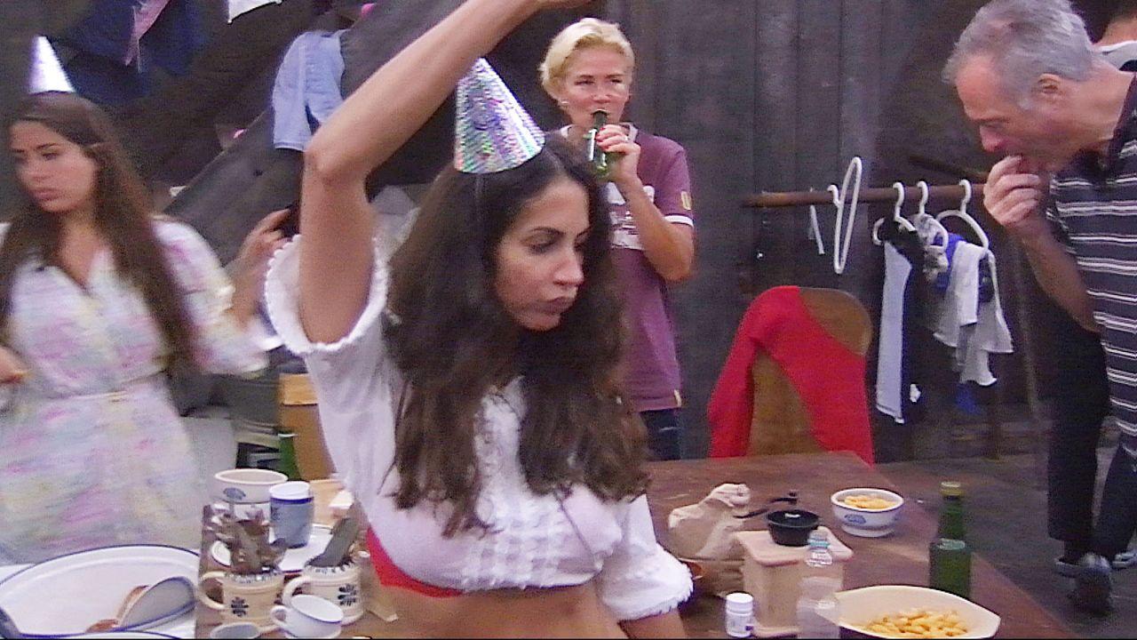 Party_unten_Janina_tanz3