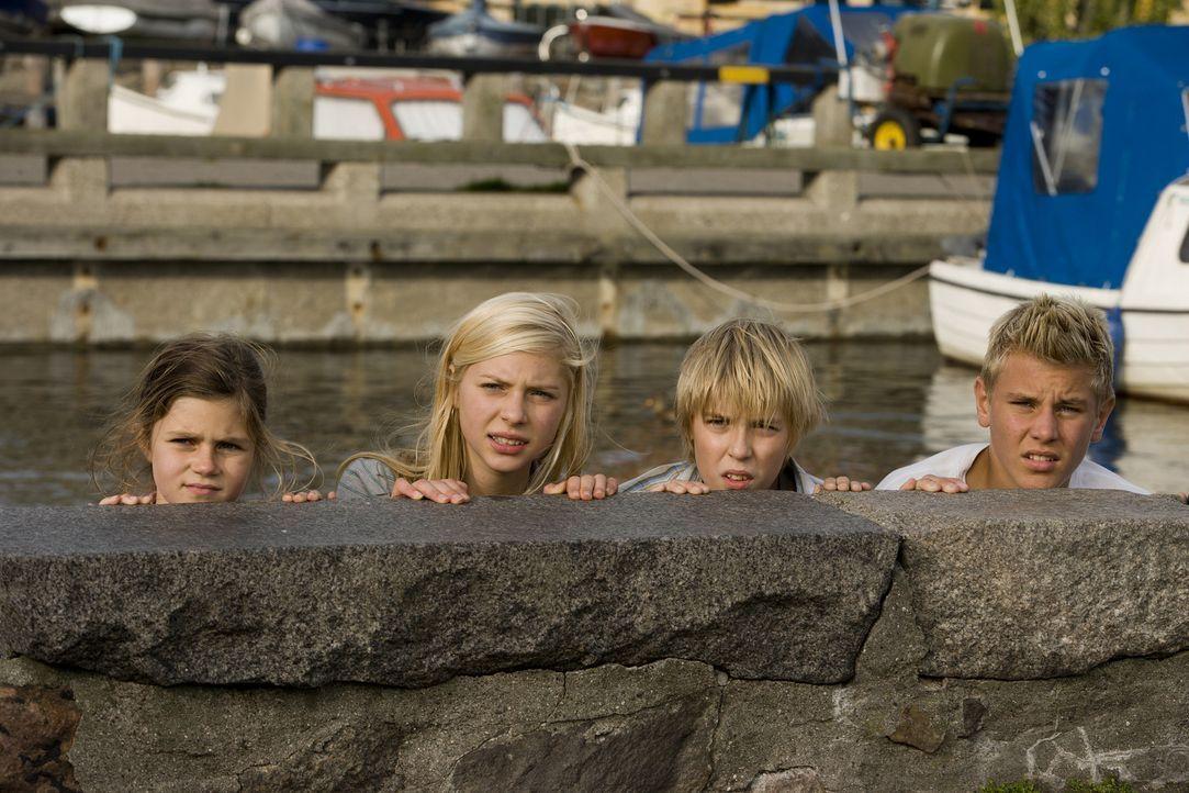 Müssen sich mit einem scheinbar unbesiegbaren Gegner herumschlagen: (v.l.n.r.) Fie (Frederikke Thomassen), Katrine (Julie Grundtvig Wester), Nis (C... - Bildquelle: Nordisk Film International Sales