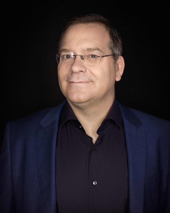 """Gastgeber von """"Schlag den Star"""": Elton ... - Bildquelle: Christian Brodack ProSieben"""