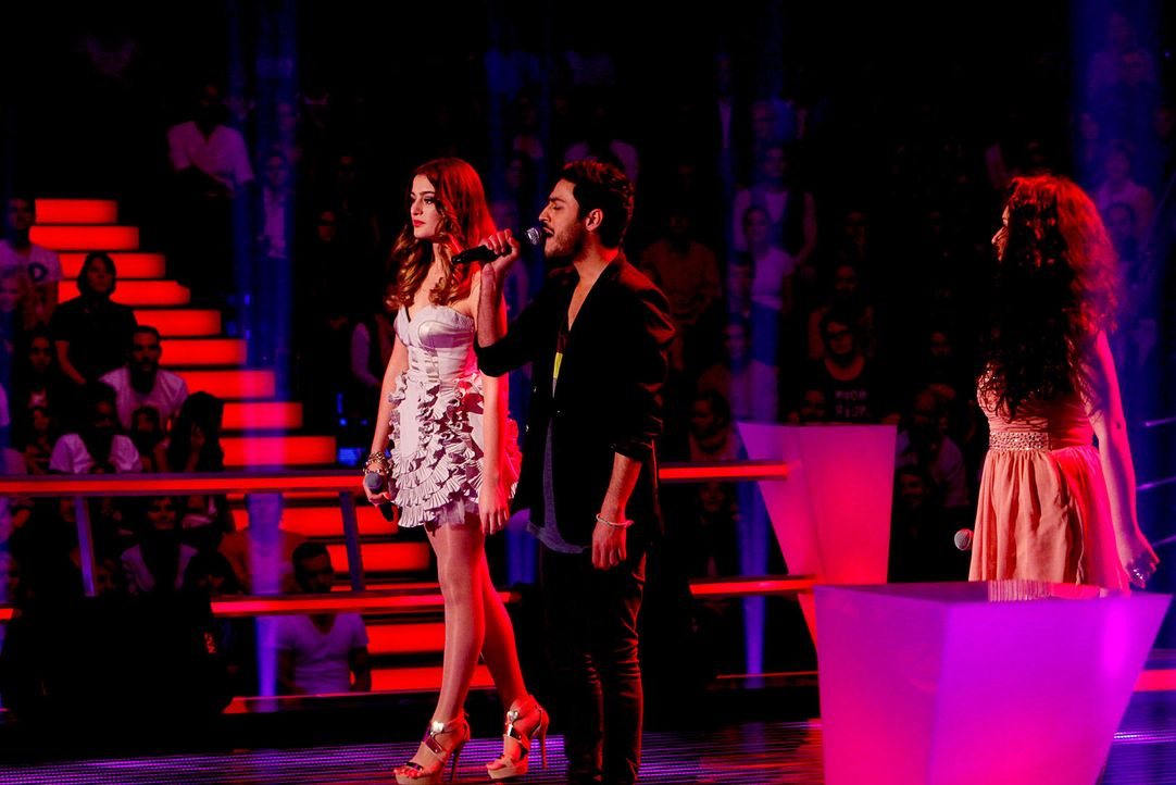 battle-iveta-vs-omid-vs-mari-01-the-voice-of-germany-richard-huebnerjpg 1700 x 1134 - Bildquelle: SAT.1/ProSieben/Richard Hübner