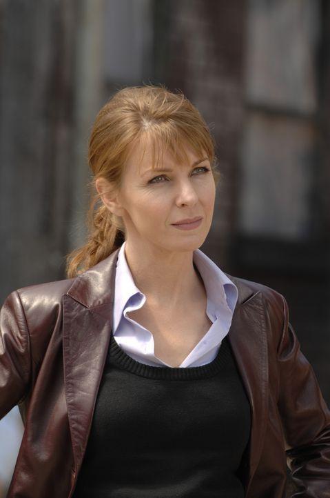Während sich Diana (Jacqueline McKenzie) auf die Suche nach zwei Vermissten macht, wird Tom von grausamen Träumen über die Zukunft geplagt ...