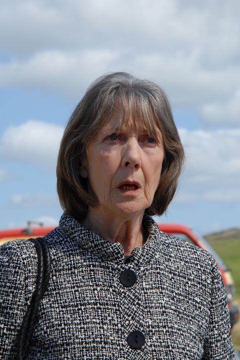 Wider Erwarten hat Tante Joan ihre kleine Farm ihrer übellaunigen Schwester Ruth (Eileen Atkins) vermacht. Diese beschließt, nachdem Al ihr seine Hi... - Bildquelle: BUFFALO PICTURES/ITV