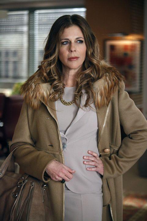 Viola Walsh (Rita Wilson) kann ihre Wut auf Diane nicht länger verbergen ... - Bildquelle: CBS   2011 CBS Broadcasting Inc. All Rights Reserved.