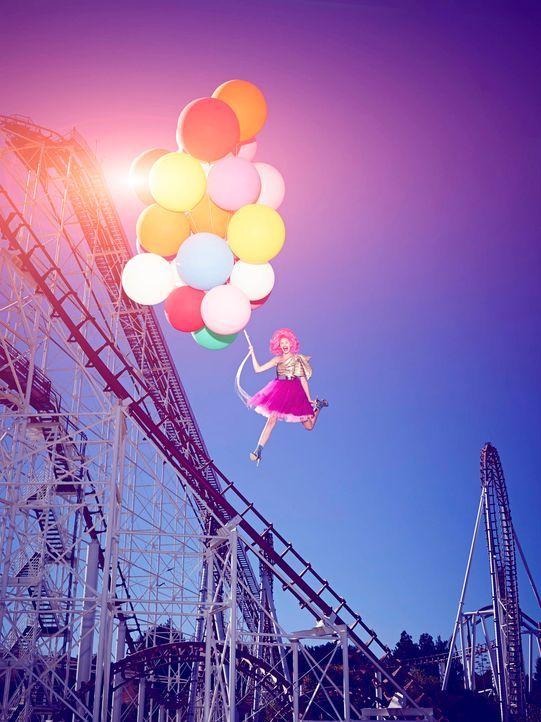 GNTM-Stf09-Epi03-BallonShooting-Anna-ProSieben-Brian-Bowen-Smith