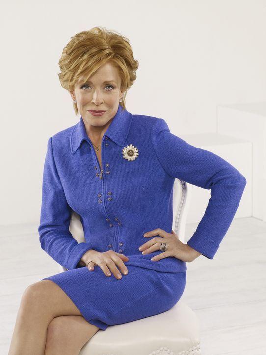 (6. Staffel) - Evelyn Harper (Holland Taylor) ist Alans und Charlies leicht nymphomane Mutter. Sie ist enttäuscht von ihren Söhnen, da diese jeglich... - Bildquelle: Warner Brothers Entertainment Inc.