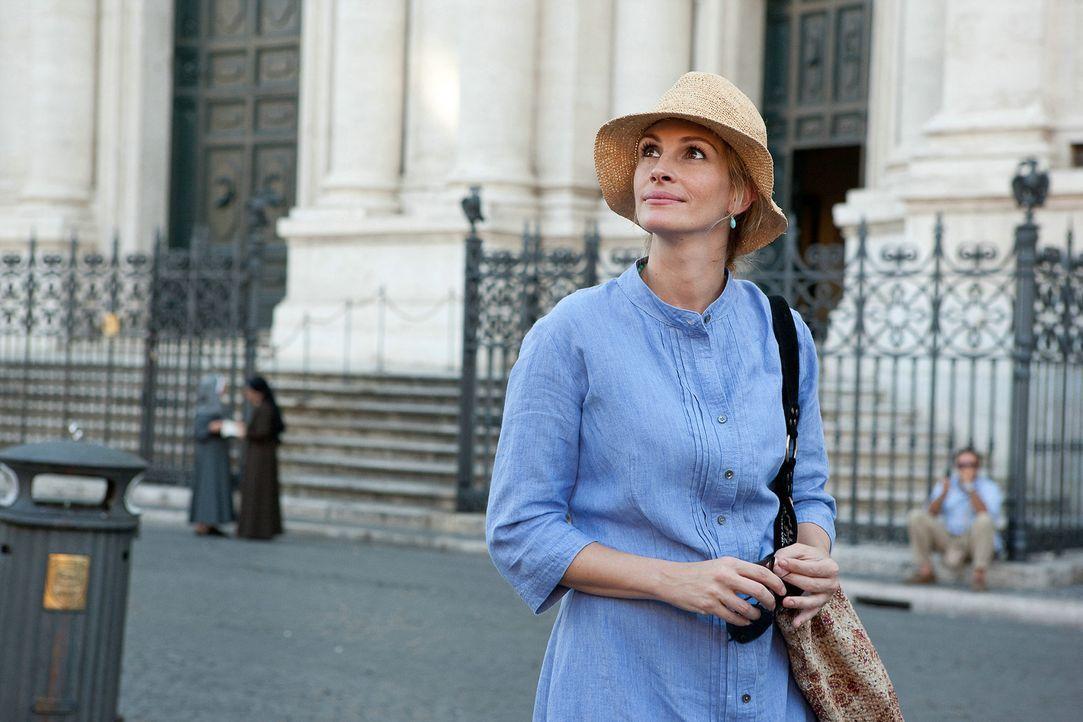 Begibt sich auf eine Reise, die ihr Leben verändert: Liz (Julia Roberts) ... - Bildquelle: 2010 Columbia Pictures Industries, Inc. All Rights Reserved.