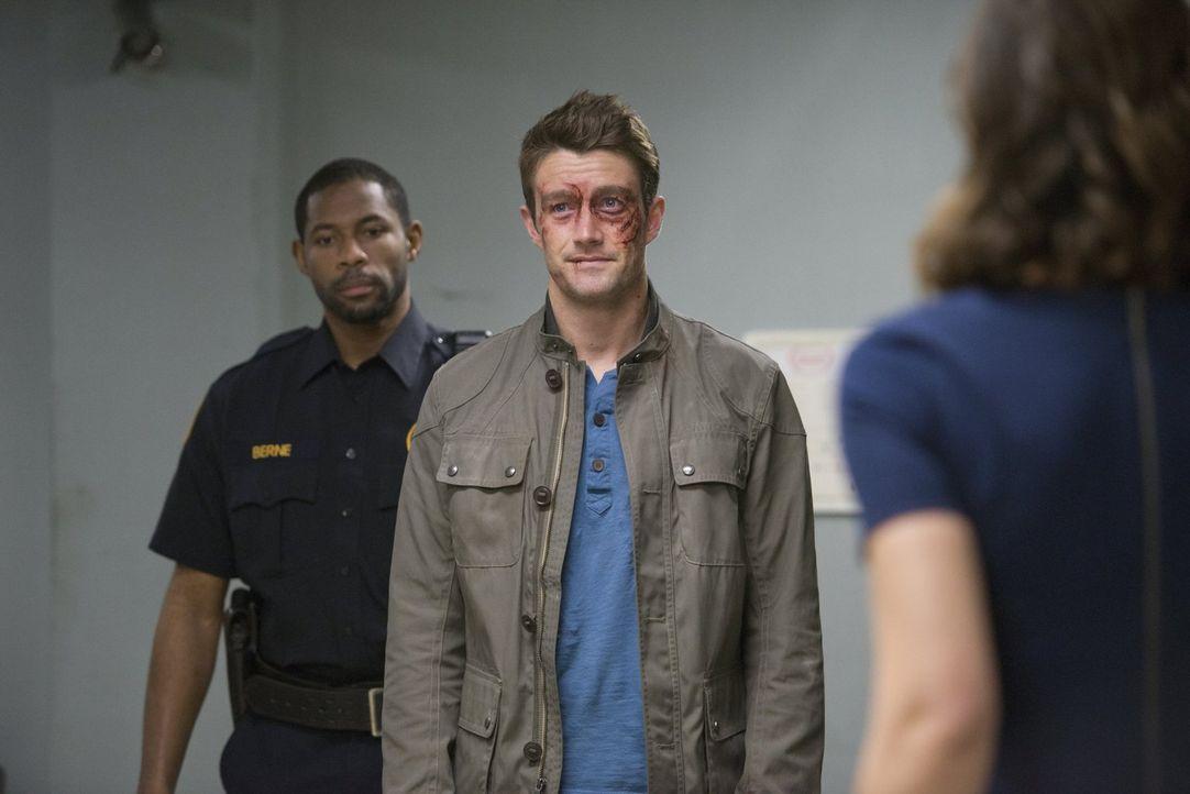 Während Major (Robert Buckley) unerbittlich weiter nach dem Mörder seines Schützlings sucht, macht Liv eine erschreckende Entdeckung ... - Bildquelle: Warner Brothers