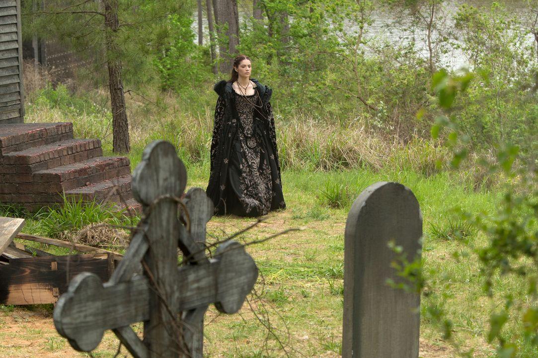 Lässt sich Mary (Janet Montgomery) weiterhin von Tituba täuschen? - Bildquelle: 2016-2017 Fox and its related entities.  All rights reserved.