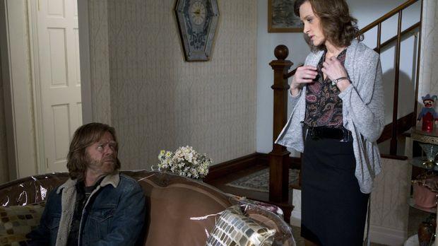Während es Monica zuhause immer schlechter zu gehen scheint, versucht Frank (...