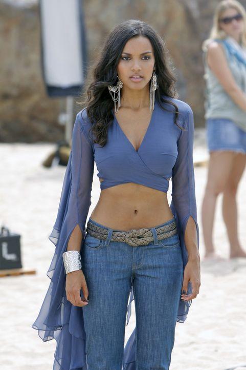So schwierig kann das Modeln ja nicht sein - oder doch? (Jessica Lucas) - Bildquelle: 2009 The CW Network, LLC. All rights reserved.
