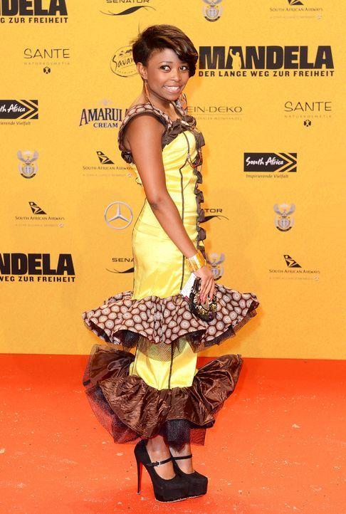 Premiere-Mandela-Nomfusi-14-01-28-dpa - Bildquelle: dpa