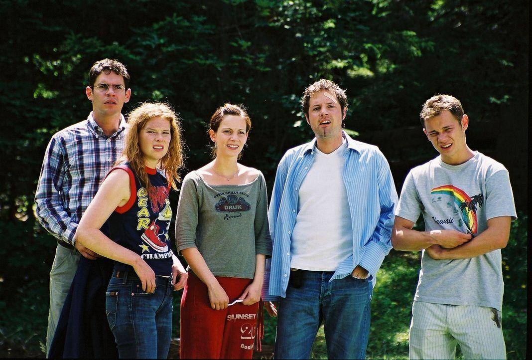 Die fünf Studenten (v.l.n.r.) Frank (Manuel Witting), Maike (Christina Henny Reents), Toni (Marie Zielcke), Niels (Nils Julius) und Stefan (Antonio... - Bildquelle: Bernhard Berger ProSieben