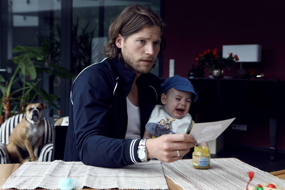 Befürchtet, ein missgebildetes Vaterqualitäten-Gen in sich zu haben: Doch um Hanna zurückzugewinnen, lässt sich Jan (Sebastian Ströbel) darauf ein,... - Bildquelle: Vanessa Fuentes SAT.1