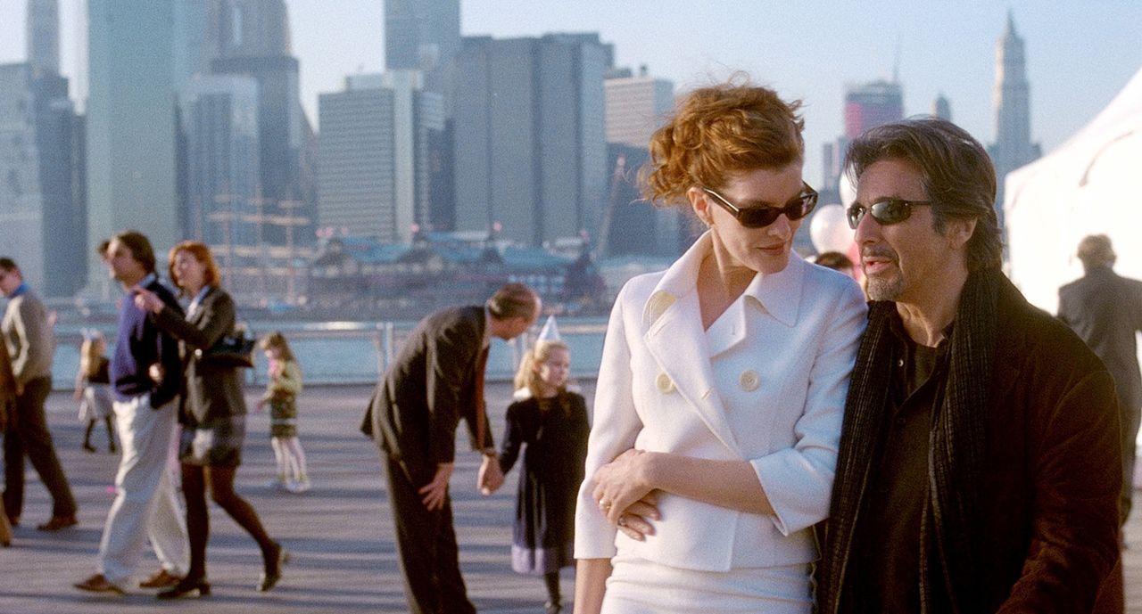 Walter Abraham (Al Pacino, r.) hat noch einen Trumpf im Ärmel, von dem weder seine liebenswerte Frau Toni (Rene Russo, l.) noch Brandon etwas wisse... - Bildquelle: Morgan Creek Productions