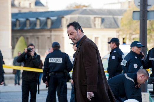 The Cop - Crime Scene Paris - Als eine angesehene Pilotin eines Militärstützp...