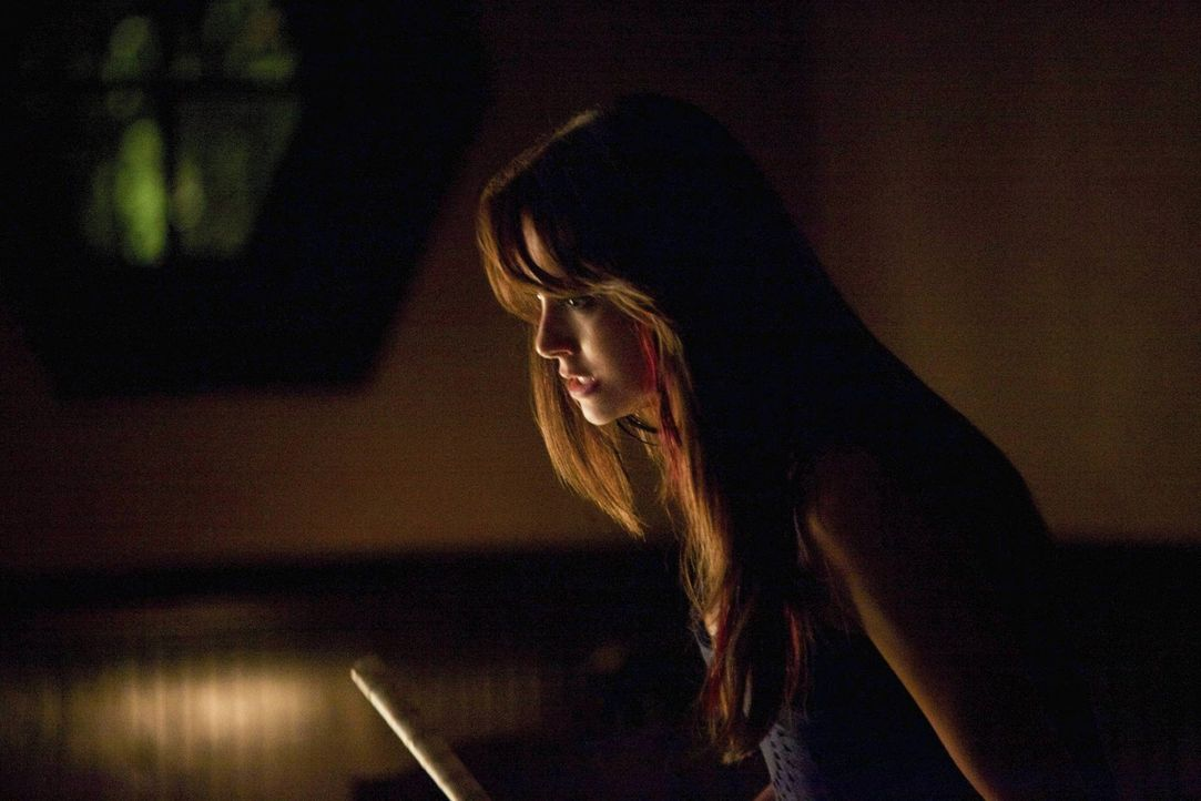 Silas hat es geschafft, Elena (Nina Dobrev) gegen Damon aufzubringen ... - Bildquelle: Warner Brothers