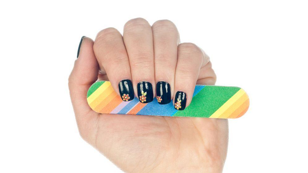 Coole Nägel einfach und schnell! - Bildquelle: Fotolia