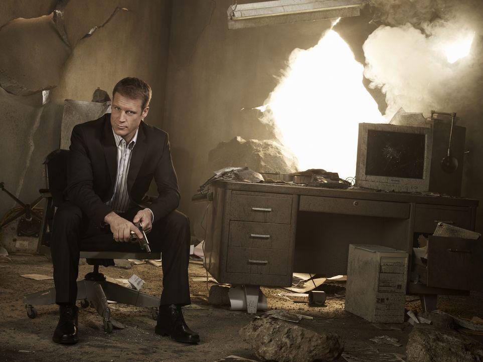 (1. Staffel) - Der mysteriöse Privatdetektiv der Meisterklasse bietet seine Dienste als Bodyguard und Lebensretter an: Christopher Chance (Mark Vall... - Bildquelle: Warner Brothers