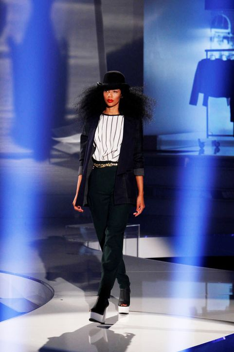 Fashion-Hero-Epi06-Gewinneroutfits-Jila-und-Jale-ASOS-01-Richard-Huebner - Bildquelle: Richard Huebner