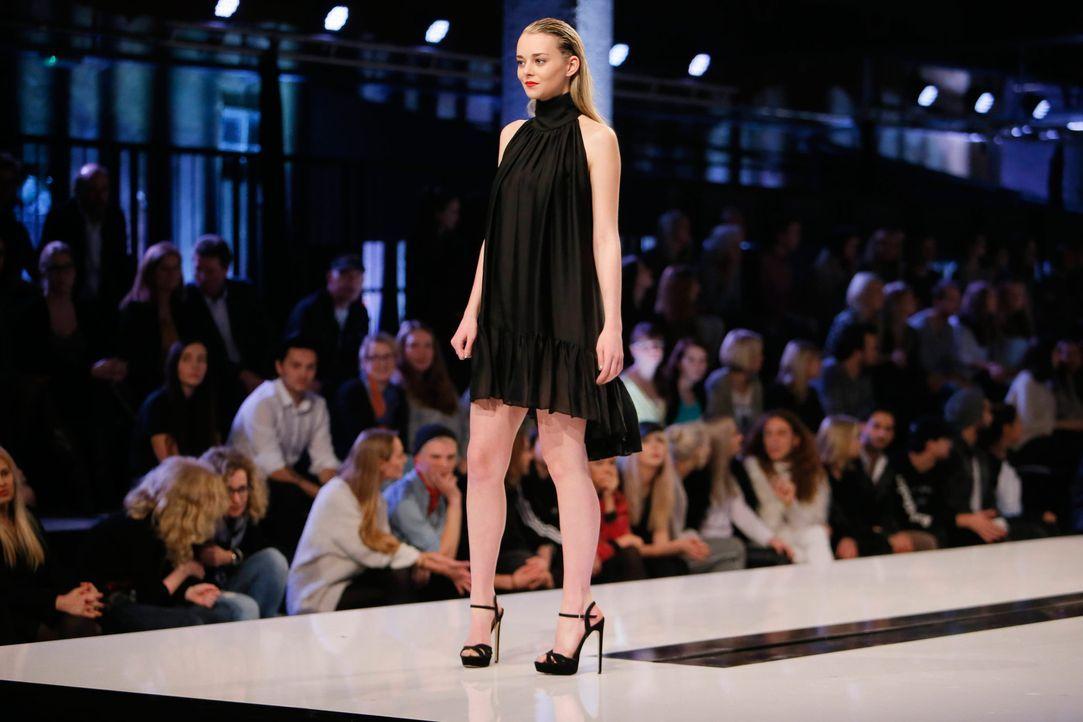 GNTM-Stf11-Epi01-erste-fashion-show-16-ProSieben-Huebner - Bildquelle: ProSieben/Richard Huebner
