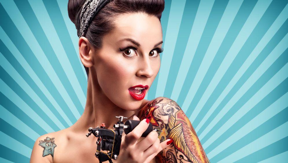 Tattoopflege nach dem Stechen - Bildquelle: Fotolia