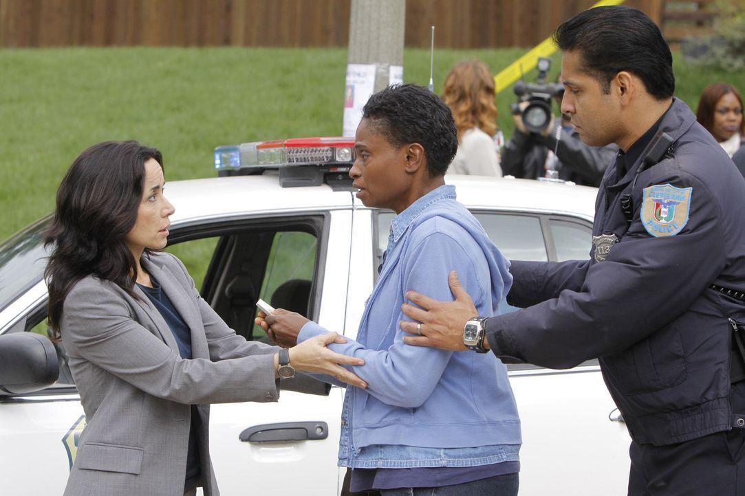 Während den Ermittlungen wird das Team von Jeanette Rawlins (Adina Porter, M.) unterbrochen - deren Tochter ebenfalls vermisst wird. Werden Beth (J... - Bildquelle: ABC Studios