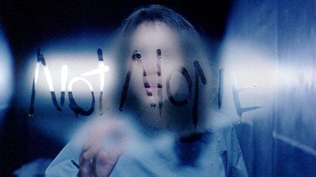 Gothika - Verzweifelt versucht Miranda (Halle Berry), ihr Gedächtnis wiederzu...
