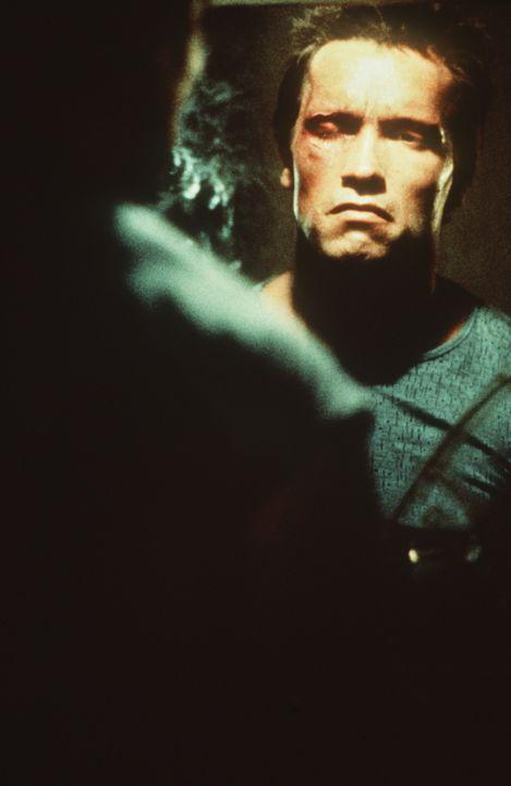 Die Fassade bröckelt: der Terminator (Arnold Schwarzenegger) ... - Bildquelle: Orion Pictures Corporation