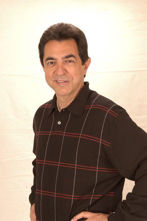 Eines Tages teilt ihm seine Frau mit, dass sie sich in einen anderen verliebt hat. Für Frank Griffin (Joe Mantegna) bricht eine heile, glückliche... - Bildquelle: TM &   2009 CBS Studios Inc. All Rights Reserved.