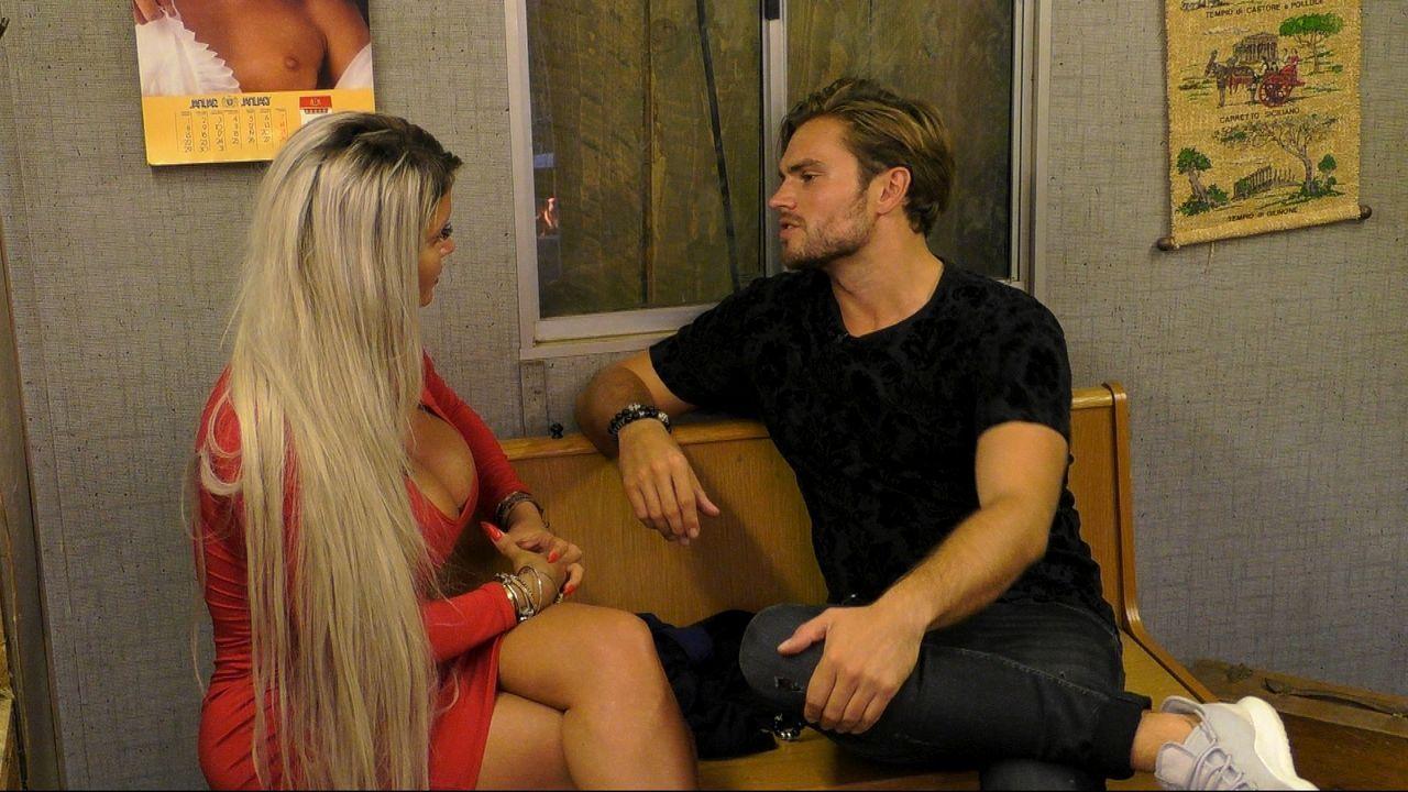 Sophia und Johannes geraten aneinander. - Bildquelle: Sat.1