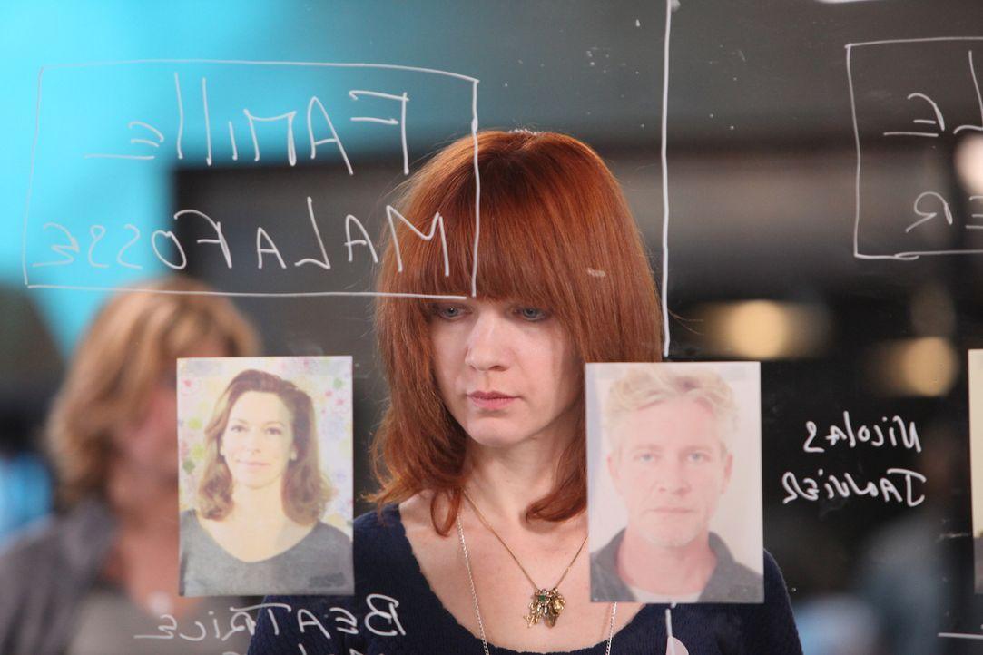Ermittelt in einem neuen Mordfall: Chloé (Odile Vuillemin) ... - Bildquelle: Xavier Cantat 2011 BEAUBOURG AUDIOVISUEL
