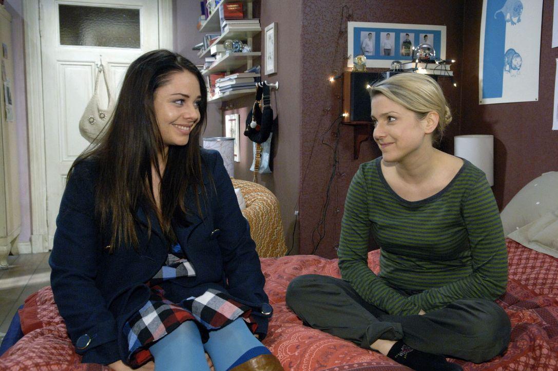Paloma (Maja Maneiro, l.) und Anna (Jeanette Biedermann, r.) gestehen sich ein, dass sie beide versagt haben.. - Bildquelle: Claudius Pflug Sat.1