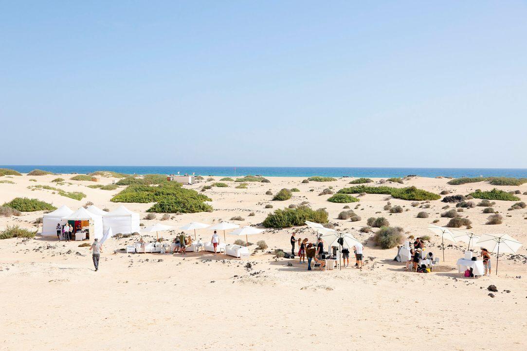GNTM-Stf11-Epi02-Duenen-Fuerteventura-05-ProSieben-Richard-Huebner - Bildquelle: ProSieben/Richard Huebner