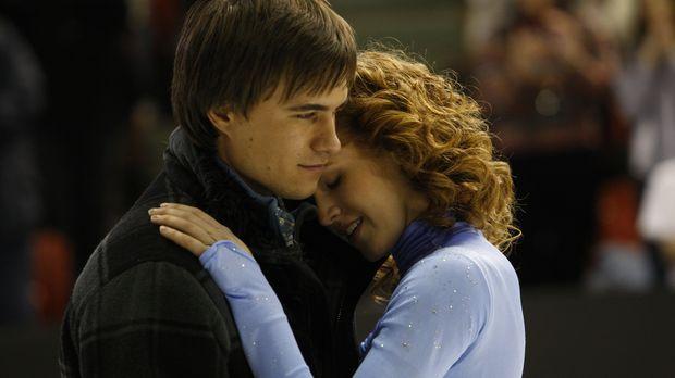 Überwinden alle Schwierigkeiten mit der Kraft der Liebe: Lexi (Taylor Firth,...