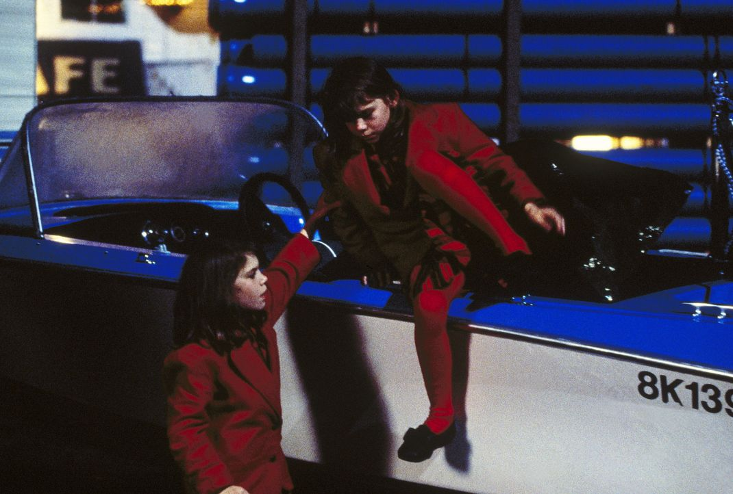 Teena (Sabrina Kreivins) und Cindy (Erika Kreivins) haben mörderische Psychosen entwickelt und nicht nur ihre Väter umgebracht, sondern sie töten... - Bildquelle: TM +   Twentieth Century Fox Film Corporation. All Rights Reserved.