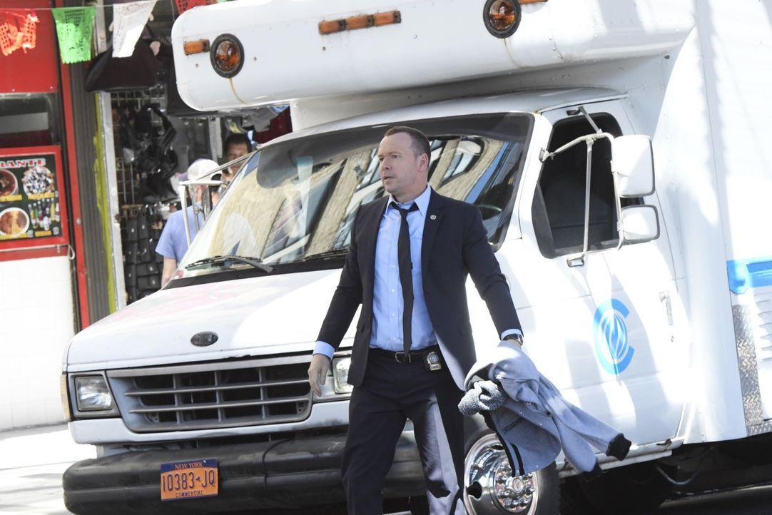 Im Kampf gegen das Verbrechen nimmt es der furchtlose Danny (Donnie Wahlberg) auch persönlich mit den Straßen New Yorks auf: Ein gefährliches Wettre... - Bildquelle: John Paul Filo 2016 CBS Broadcasting Inc. All Rights Reserved