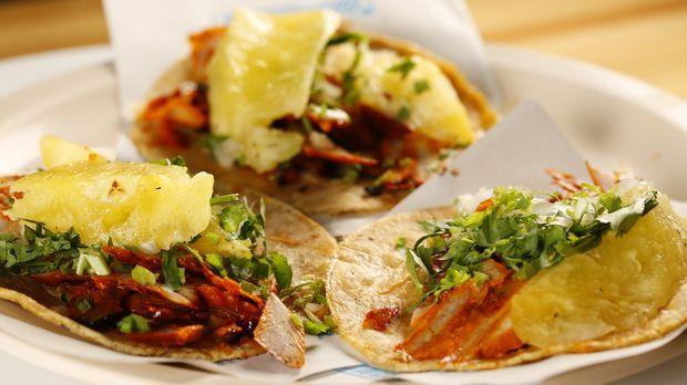Mexiko-Stadt hat extrem viele Einwohner und alle lieben es, zu essen. Andrew...